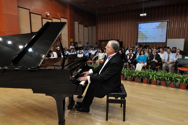 Gabriele Di Toma - Pianist